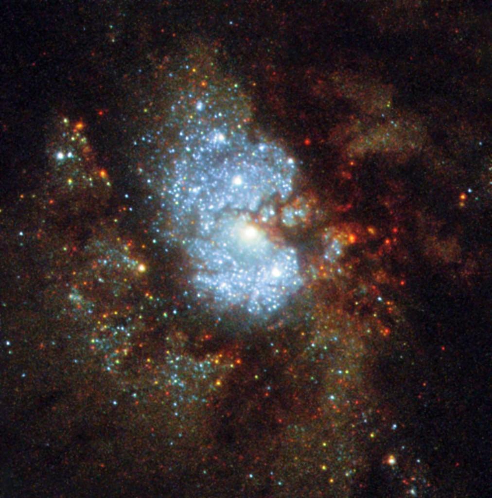 Paslėptoji galaktika IC 342. ©ESA/Hubble & NASA