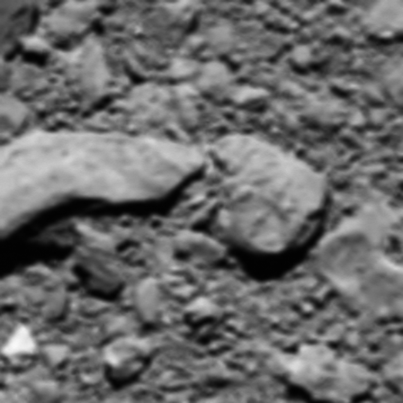 Kometos 67P paviršius. © ESA/Rosetta/MPS for OSIRIS Team MPS/UPD/LAM/IAA/SSO/INTA/UPM/DASP/IDA
